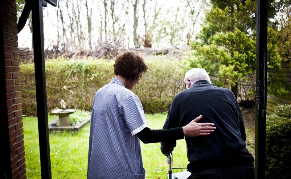 Jeg synes jo, at så længe min mand er i live, så skal jeg være der for ham. Han har altid været der for mig i vores ægteskab, skriver Agnete til brevkassen.