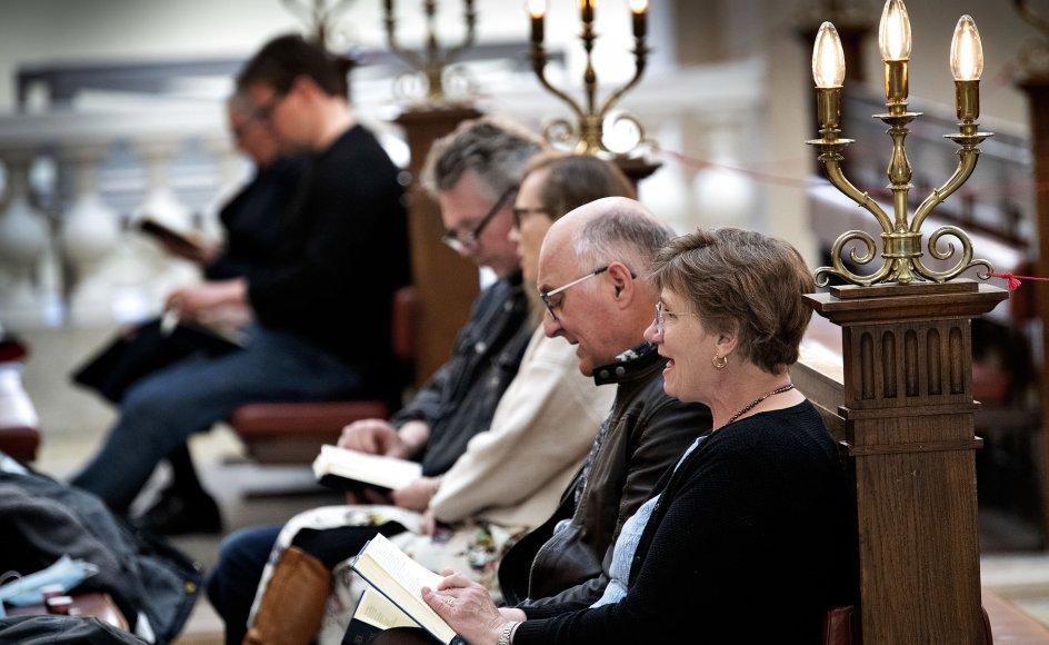 Flere læger, Vårt Land har talt med, lægger især vægt på sangen som en vigtig faktor for, hvorfor mange er blevet smittet. Her ses Vor Frue kirke i København.
