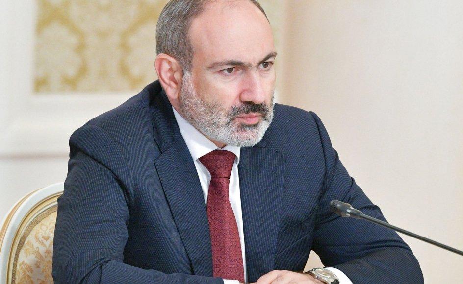 Premierminister Nikol Pashinyan havde udskrevet parlamentsvalget for at dæmme op for den bølge af protester, der rejste sig i gaderne i Jerevan imod ham og våbenhvilen efter den aserbajdsjanske angrebskrig mod den armenske eksklave Nagorno-Karabakh i efteråret 2020.