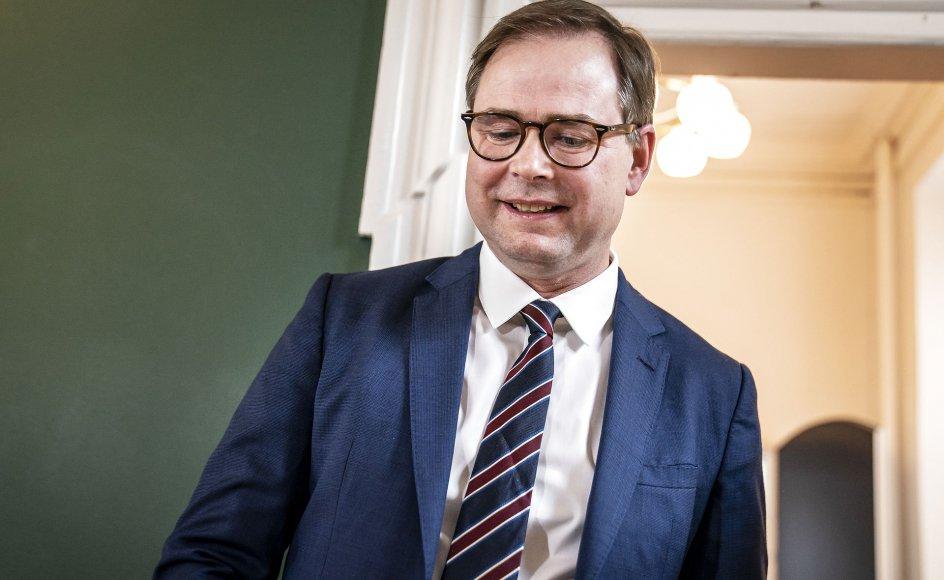 Finansminister Nicolai Wammen (S) har haft en klar interesse i at gemme nogle penge på kistebunden i forhandlingen med kommunerne.