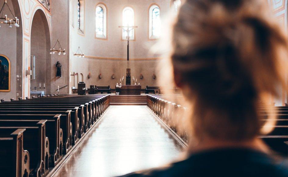 """""""Jeg har en fornemmelse af, at særligt vores kvindelige præster bliver udsat for ubehageligheder, og det kan vi ikke leve med,"""" mener provst i Hjørring Provsti Thomas Reinholdt Rasmussen. Arkivfoto: Thomas Vitali/Unsplash"""