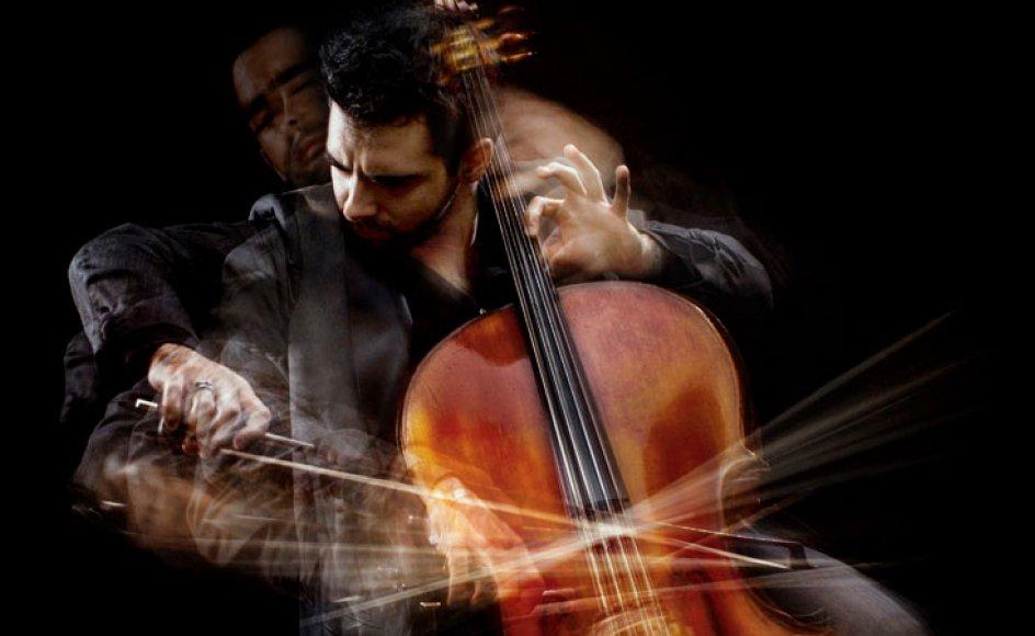 Torsdag aften i Tivoli kunne man opleve den prisbelønnede 30-årige cellist Pablo Ferrández på en Stradivarius-cello fra 1696.