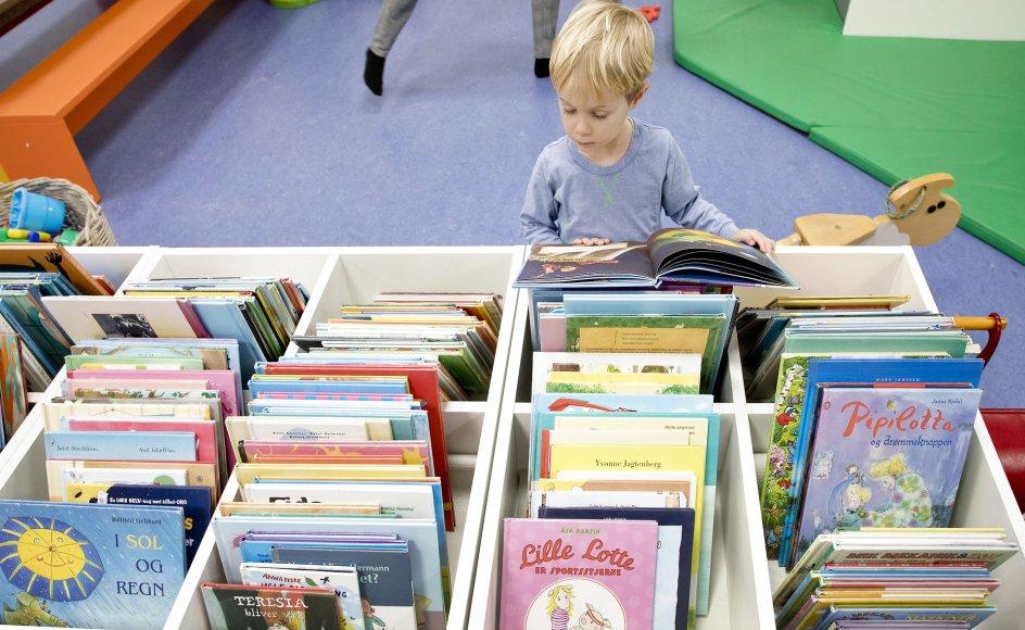 Danske børn er bagud fra start, når det gælder om at tilegne sig deres modersmål.