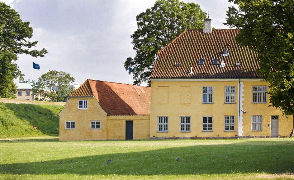 Kastellet i København er blandt de danske fredede bygninger. Bygningerne er fra slutningen af 1600-tallet. I dag anvendes de bl.a. af Hjemmeværnet og Forsvarets Efterretningstjeneste - og som park.