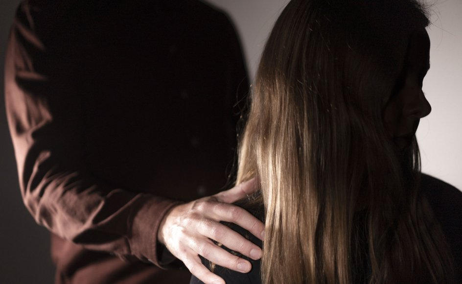Det første indlæg med hashtagget kom mandag aften. Det var forkvinden for foreningen Voldtægtsofres Vilkår, Kirstine Holst, der stod bag initiativet.