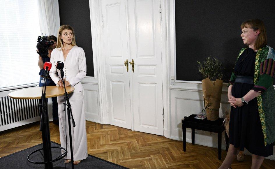 Kultur- og kirkeminister Ane Halsboe-Jørgensen (S) overtager fra Joy Mogensen (S) ved ministerieoverdragelse i Kirkeministeriet i København fredag den 20. august 2021.