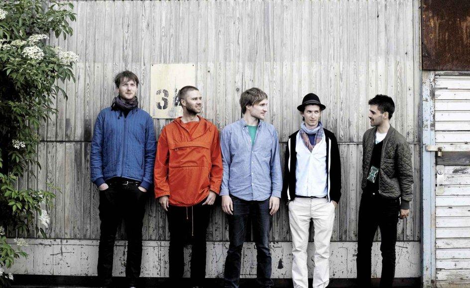 Det danske Jazz-band 'Girls in Aiports' består af en flok unge fyre fra Musikkonservatoriet, hvor billedet er taget. Bandet består af Martin Stender (saxofon), Lars Greve (saxofon), Mathias Holm (tangenter), Victor Dybbroe (slagtøj) og Mads Forsby (trommer). - Foto: Lærke Posselt/Politiken/Ritzau Scanpix