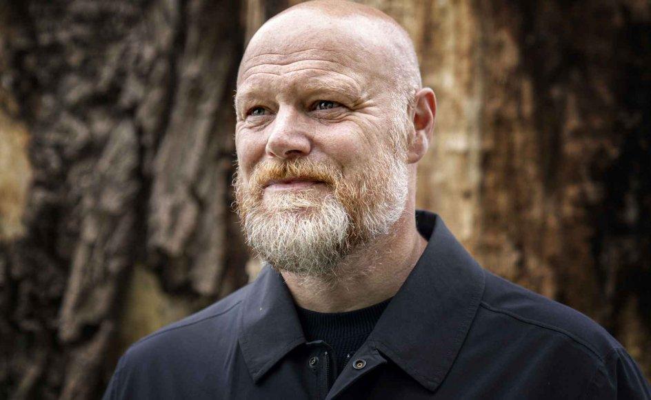 """Mads Steffensen, 50 år, stoppede ved udgangen af 2020 i DR, hvor han har været vært på det populære radioprogram """"Mads og monopolet"""" samt DR 1-klassikeren """"Kender du typen?"""". I dag har hans nye podcast """"Mads og A-holdet"""" premiere på podcast-tjenesten Podimo. – Foto: Ida Guldbæk Arentsen/Ritzau Scanpix."""