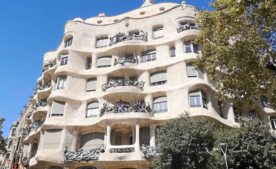 På denne rejse til Spanien er der fokus på Barcelona og den catalanske superarkitekt Antoni Gaudí.