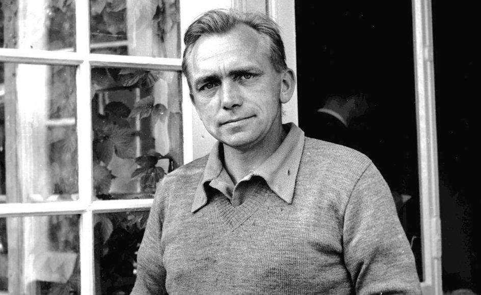 """Når det gælder Martin A. Hansen som """"en slags modernist med alt, hvad det indbefattede af tvivl, mørke og tanker om tomhed,"""" giver podcasten slip for let, mener denne anmelder."""