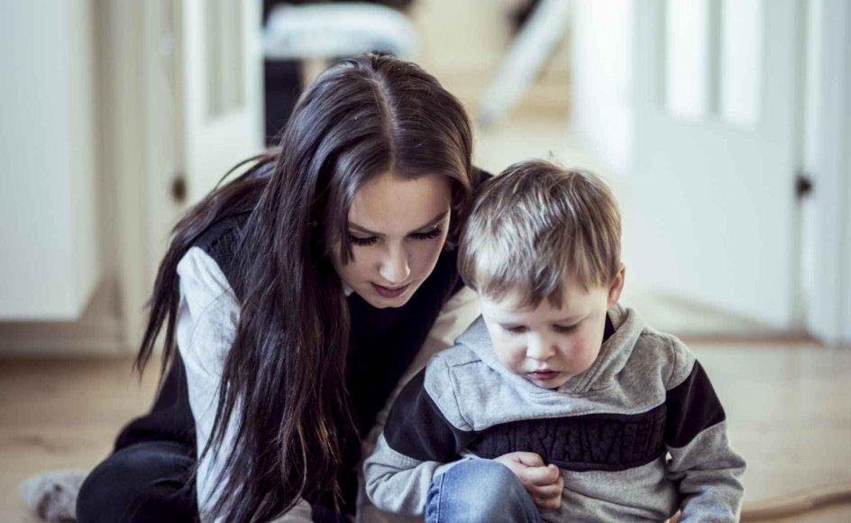 Da Maria Krogh Larsen blev gravid som 16-årig, selvom hun brugte p-piller, oplevede hun et stærkt pres fra kommunen for at få en abort. Hun var dog aldrig i tvivl om, at hun ville have barnet. I dag er sønnen Vincent tre år. – Foto: Michael Drost-Hansen.