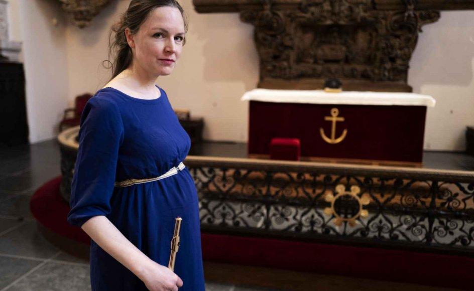 Rikke Høyer Lentz spillede sin debutkoncert som solofløjtenist i Holmens Kirke (hvor billedet her er taget) i oktober 2014. Det blev samtidig et vendepunkt, der førte til, at hun året efter gik i gang med at læse teologi med det mål at blive præst. – Foto: Mikkel Møller Jørgensen.