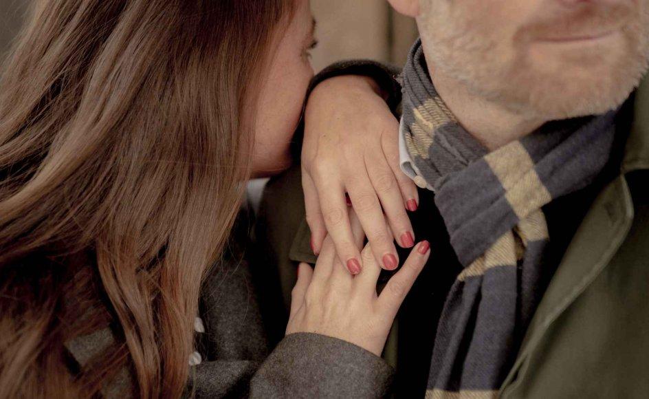 Hvis du har brug for et kram, så gør dig selv og din partner den tjeneste at sige det højt. Ingen kan læse tanker, siger parterapeut Katrine Axholm. (Arkivfoto)