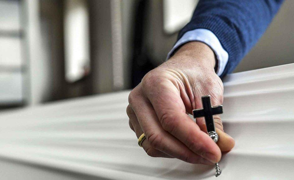 """En vinduesreklame i en bedemandsforretning i Valby med teksten """"vi planter et træ, for hver kiste vi bringer"""" fik hurtigt en sognepræst til at undre sig."""