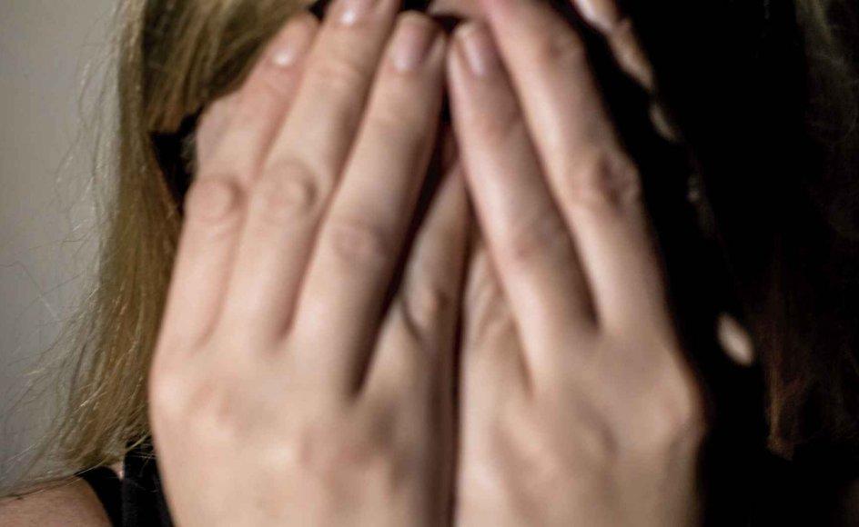 Fordi angst er overvældende, tror mange, at noget dybere stikker under. Men det får os til at agere på måder, der fastholder angsten, mener psykolog Sisse Find. – Foto: Mads Claus Rasmussen/Ritzau Scanpix.