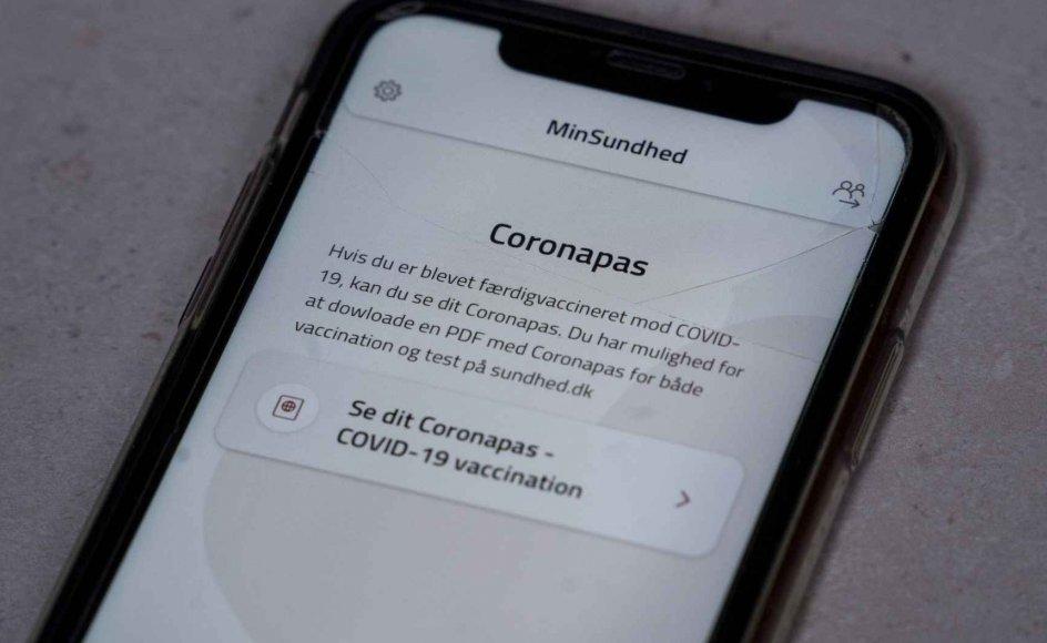 Ifølge Venstre, De Konservative, Dansk Folkeparti og Liberal Alliance skal coronapasset fremover fungere på samme måde som et kørekort fremfor en adgangsbillet. (Arkivfoto)