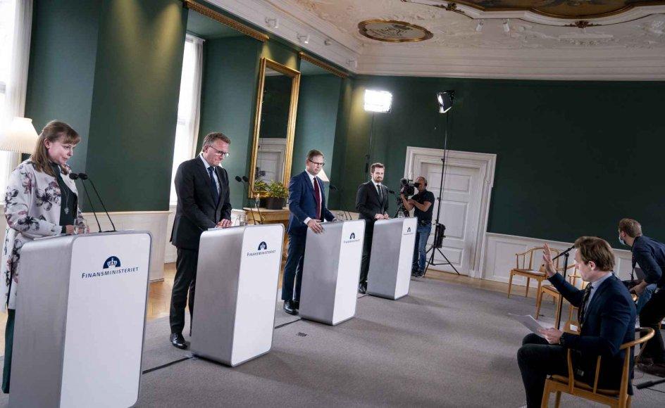 Sommerpakken blev præsenteret torsdag af finansminister Nicolai Wammen (S), skatteminister Morten Bødskov (S), erhvervsminister Simon Kollerup (S) og kultur- og kirkeminister Joy Mogensen (S).