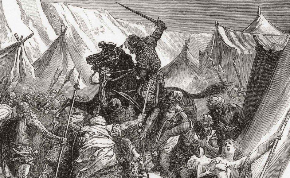 """""""Om kristendommen ligefrem er krigerisk, kommer an på, hvilke tekster man læser, og hvordan man fortolker dem. I dag er den udbredte holdning, at kristendommen taler imod at slå ihjel. Men for 1000 år siden læste man de samme bibeltekster, som vi gør i dag, og kom til nogle helt andre konklusioner om at slå ihjel i Guds navn,"""" siger Carsten Selch Jensen."""