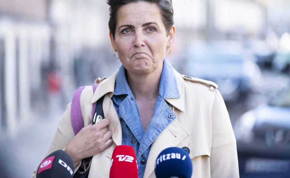 SFs Pia Olsen Dyhr var blandt de partiledere, der mandag eftermiddag mødte op til forhandlinger om næste fase af genåbningen. Efter indgåelsen af aftalen glædede hun sig blandt andet over, at det fra fredag den 21. maj bliver lettere for danskerne at komme på biblioteket.