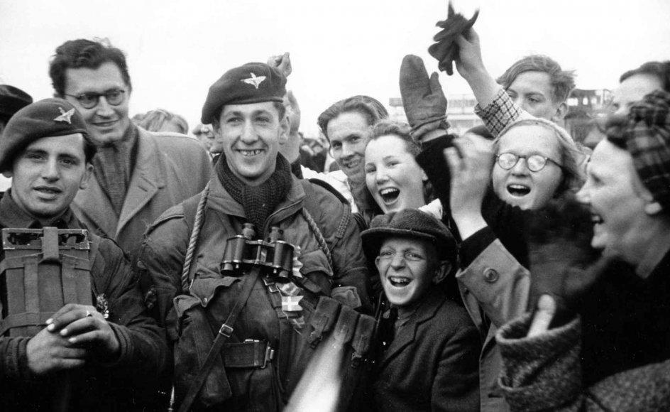 Resten af landet fejrede befrielsen fra besættelsesmagten, da en kulpram med 345 fanger fra koncentrationslejren Stutthof i det nuværende Polen drev i land ved Klintholm Havn på Møn.