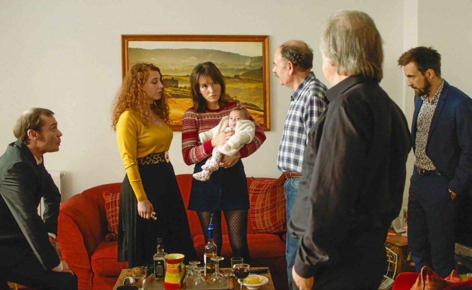 Robert Guédiguians drama om lille Glorias ankomst til verden viser, hvorledes den sociale arv sætter sig igennem, og herligheden forgår.