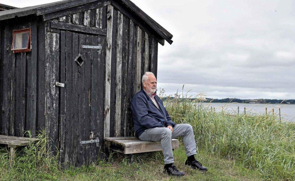 Jens Smærup Sørensen (født 1946) er vokset op i Staun ved Limfjorden, som også har været et omdrejningspunkt for hans forfatterskab.