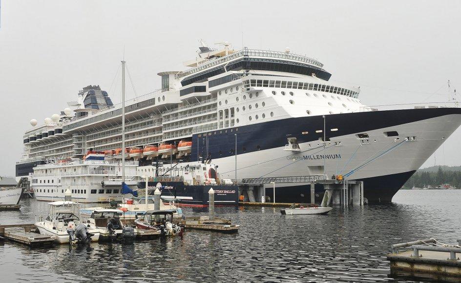 """Der er konstateret smitte med coronavirus om bord på krydstogtskibet """"Celebrity Millennium"""". Her ses skibet i august 2013 i den amerikanske delstat Alaska."""