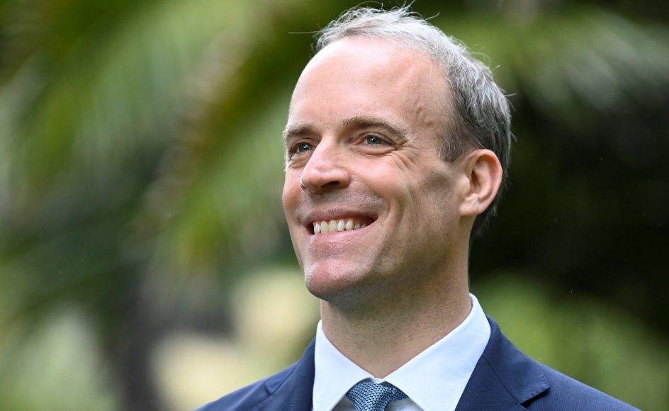 Den britiske udenrigsminister, Dominic Raab, siger fredag, at det er hævet over enhver tvivl, at nogle lande bruger vacciner som et diplomatisk våben for at vinde øget indflydelse og fordele. Raab fremsatte udtalelserne på sidelinjerne af det tre dages G7-topmødet i Cornwall, som indledes senere fredag.