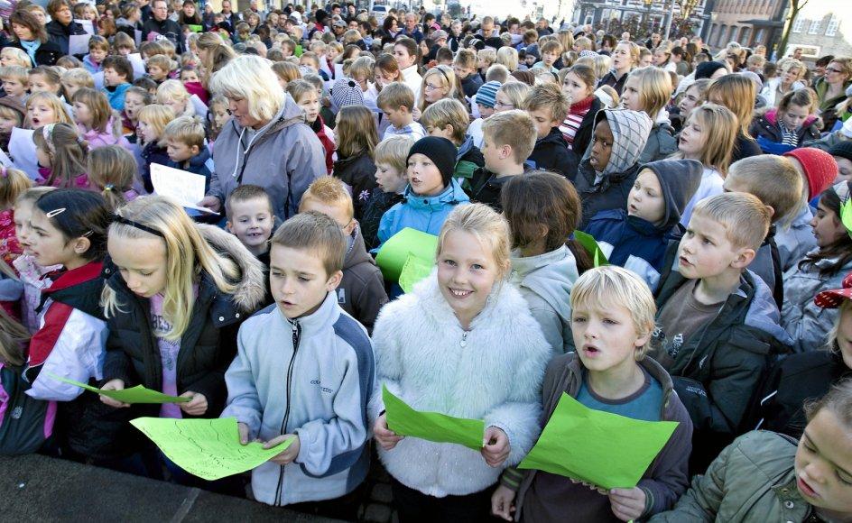 Det er ikke længere soleklart, hvilke sange, alle kan være med på i folkeskolen og det er et problem, mener lektor i musikundervisning. - Arkivfoto 2007: Henning Bagger/ Ritzau/Scanpix
