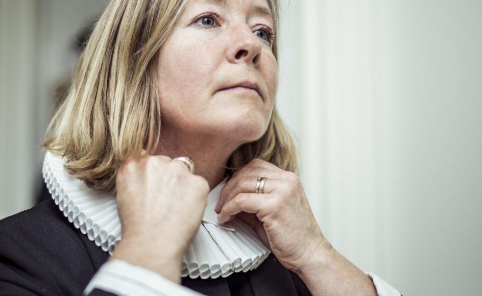 """""""Jeg er ikke ked af, at jeg var så lang tid om at finde troen. Tværtimod tænker jeg, at det har givet mig den modenhed, der skulle til, for at jeg kunne virke som præst,"""" siger Anne Mette Ramsgaard Johansen."""