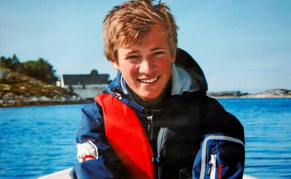 Emil Okkenhaug blev dræbt på Utøya den 22. juli 2011. Her er han fotograferet af sin kæreste få måneder forinden. – Privatfoto.