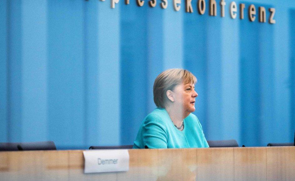 Forbundskansler Angela Merkel siger, at hun er bekymret over smitteudviklingen i Tyskland, og hun siger i en appel til befolkningen, at det er vigtigt at blive vaccineret.