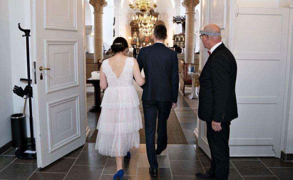 Flere danskere har set sig nødsaget til at udskyde brylluppet eller konfirmationen, indtil coronarestriktionerne ikke fylder lige så meget længere. Det viser en rundspørge foretaget af Voxmeter. (Arkivfoto)