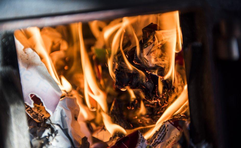 Fra 1. august træder en ordning i kraft, der betyder, at hvis man køber et hus med en brændeovn produceret før 2003, skal brændeovnen enten skrottes helt eller skiftes til en nyere model (Arkivfoto).