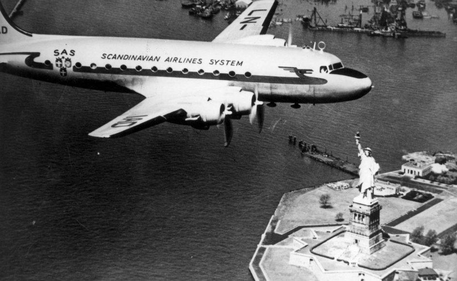SAS' DC4 fløj første gang mellem København og den amerikanske millionby New York City den 17. september 1946. Det var bare 47 dage, efter at de skandinaviske flyselskaber havde slået sig sammen under SAS' farver. (Arkivfoto)