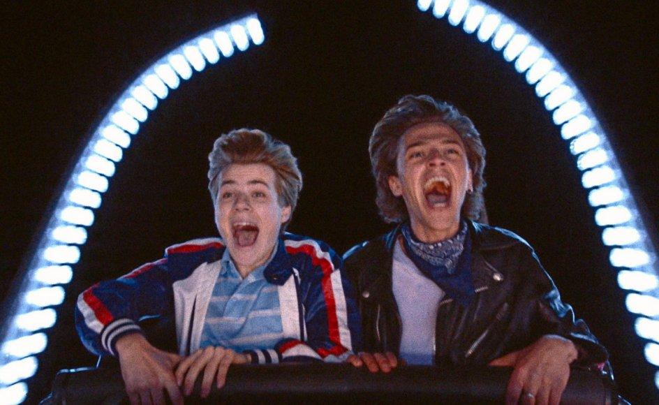 """Félix Lefebvre og Benjamin Voisin spiller de unge elskende Alexis og David i Francois Ozons """"Sommeren 85""""."""