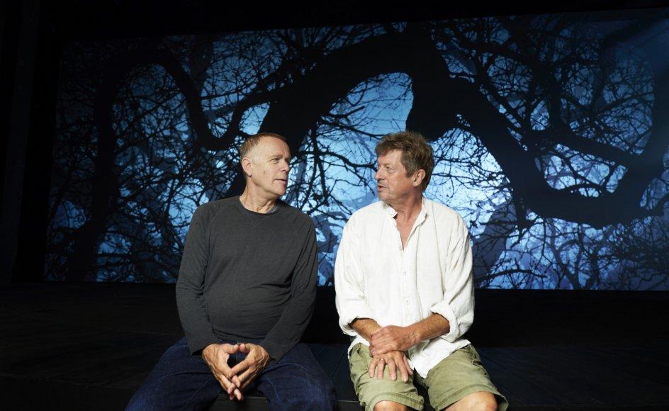 """For Morten Suurballe (til venstre) og Henrik Birch, der spiller henholdsvis Peter Skrædder og gamle Mikkel Borgen i """"Ordet"""" er Kaj Munks skuespil med sit budskab om kærlighed eviggyldig."""