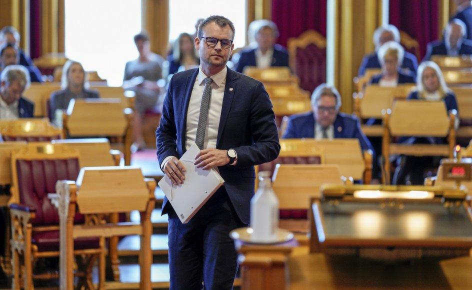 Kjell Ingolf Ropstad var i 2018 en af fortalerne for, at Kristeligt Folkeparti skulle med i den norske højre-regering. Året efter blev han både partiformand og børne- og familieminister og kæmper nu for, at partiet klarer spærregrænsen ved mandagens valg.