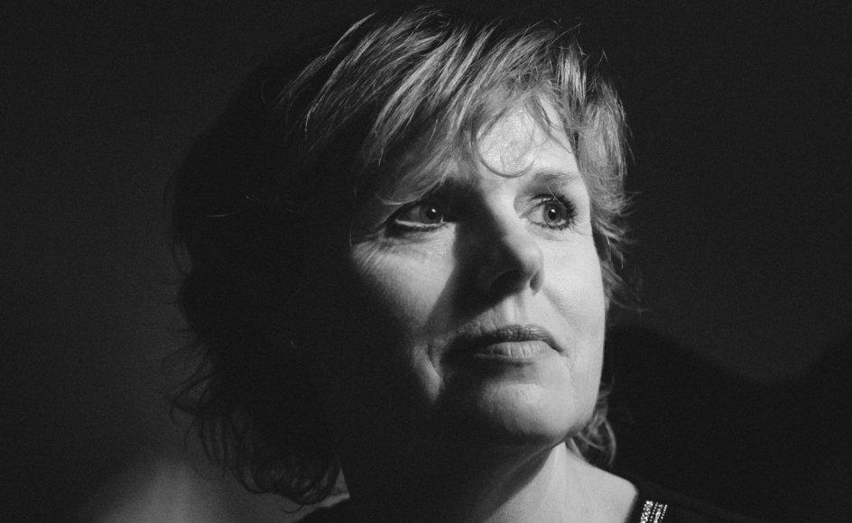 Da det så sortest ud under en fødselsdepression, fik Dorthe Stieper en bog af sin mand, der ændrede hendes måde at tro på.