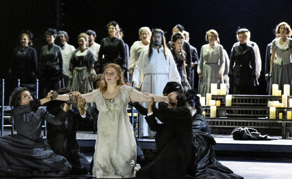Forestillingens store oplevelse var Sofie Elkjær Jensen, der magtede både den dramatiske og den lyriske side af det store parti som Marguerite.