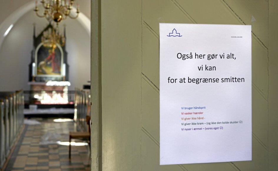 """At sætte spørgsmålstegn ved coronarestriktionerne i folkekirken er ikke udtryk for """"krænkelsesparathed"""", skriver sognepræst Maria Louise Odgaard Møller."""