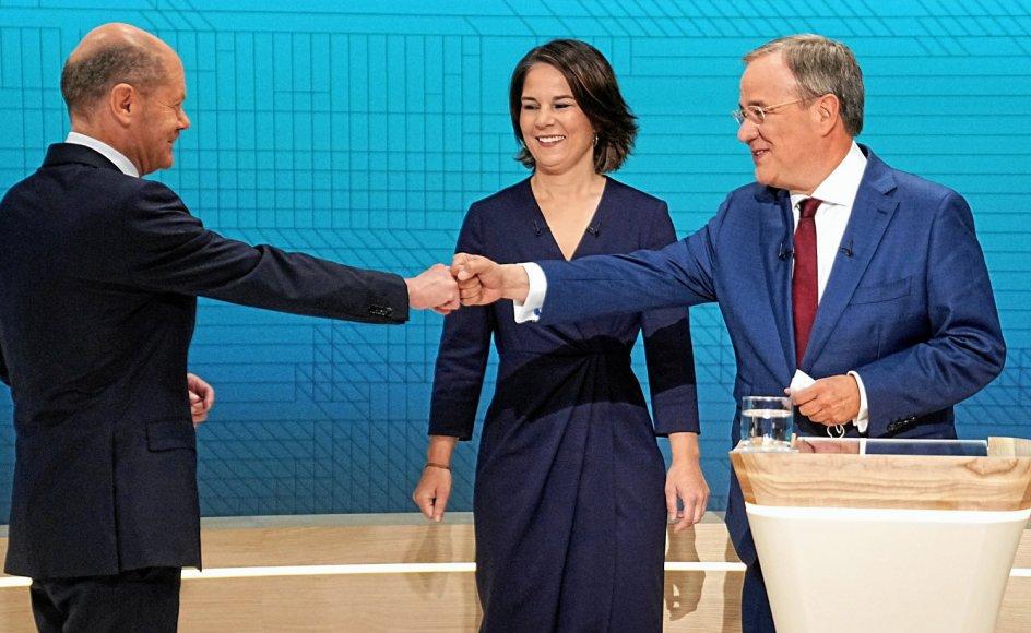 Det var især socialdemokraten Olaf Scholz (tv.) og kristendemokraten Armin Laschet, der krydsede klinger i den anden tv-debat mellem de tre kanslerkandidater, mens De Grønnes Annalena Baerbock prøvede at fremstå som fornyelsens stemme.
