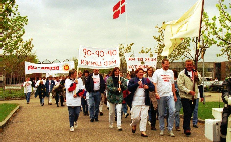 Overskriften for sygeplejerskernes kampe har ifølge historiker Jesper Jørgensen altid været lønstigninger samt spørgsmålet om større anerkendelse. Her ses strejkende sygeplejersker i 1995.