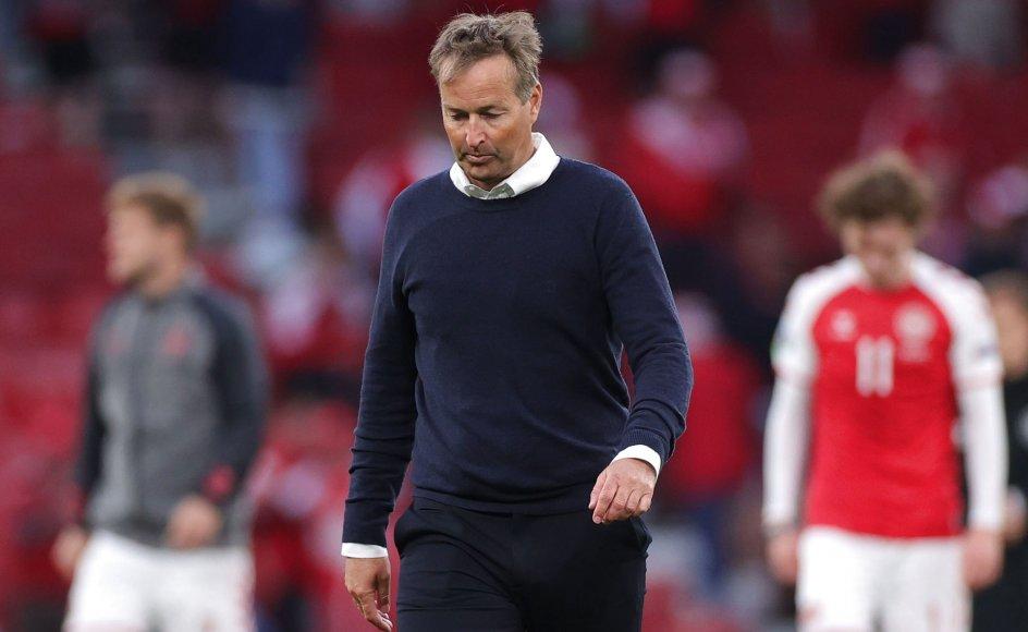 Kasper Hjulmand fortalte stolt om spillernes mod til at tale om svære følelser efter lørdagens dramatiske landskamp.