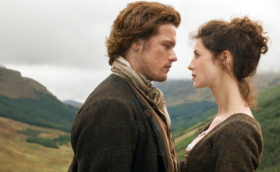 """Er hemmeligheden bag """"Outlander"""", at der rent faktisk er en hemmelig forbindelse mellem tidsrejser og motivet om den store romantiske kærlighed?"""