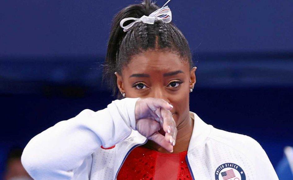 Den amerikanske stjernegymnast Simone Biles valgte i tirsdags overraskende at udgå fra OL-finalen i holdkonkurrencen i Tokyo med henvisning til sit mentale helbred.