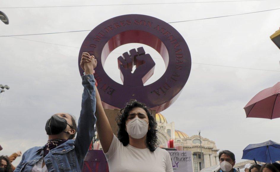 I mange lande afholdes der store demonstrationer for at skabe opmærksomhed på femicide-ofre. Blandt andet i Mexico, hvor drabet på Fernanda Olivares i sidste måned førte til protester i Mexico City. Der var over 900 femicides i Mexico sidste år. – Foto: Gerardo Vieyra/ NurPhoto via Getty Images.