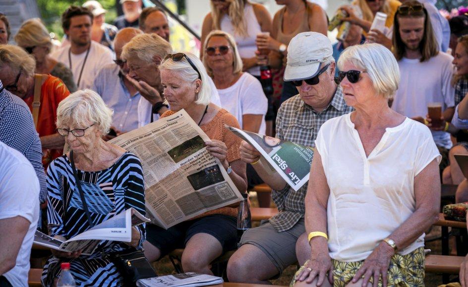 Publikum nød sommervejret i går under Folkemødet i Allinge på Bornholm. Her er det ved hovedscenen, hvor statsminister Mette Frederiksen (S) holdt tale.