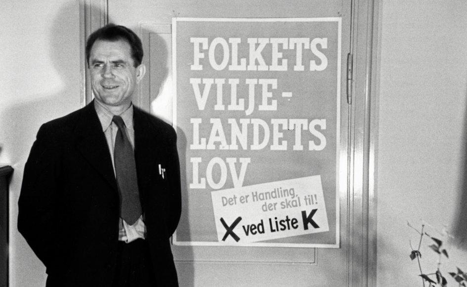 Aksel Larsen var formand for Danmarks Kommunistiske Parti (DKP) fra 1932, indtil han i 1958 blev ekskluderet af partiet og året efter stiftede Socialistisk Folkeparti.