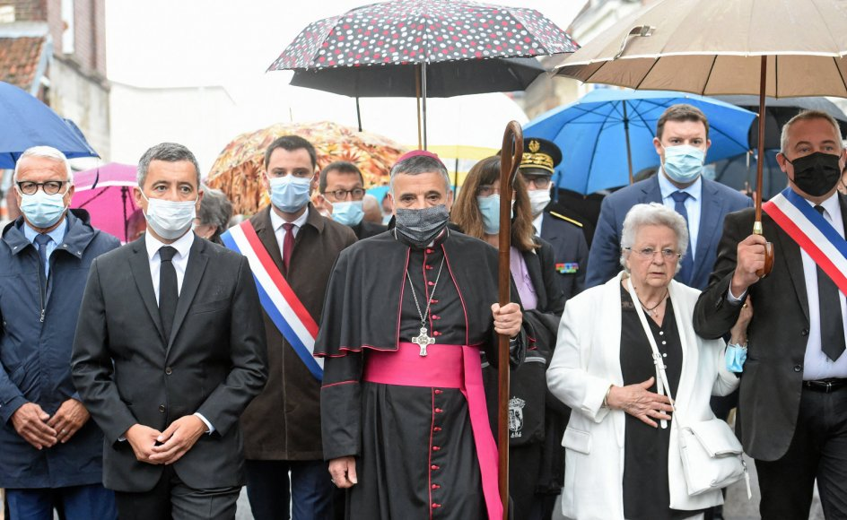 Drabet på den franske præst Jaques Hamels blev i går markeret med et optog med den franske indenrigsminister, Gérard Darmanin, ærkebiskop Dominique Lebrun og Hamels søster, Roseline Hamel, i spidsen. De gik den rute, som præsten selv fulgte den dag for fem år siden, hvor han blev dræbt i et terrorangreb.